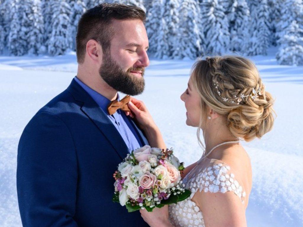 Hochzeitspaar mit Fliege - Schwarz Weiss