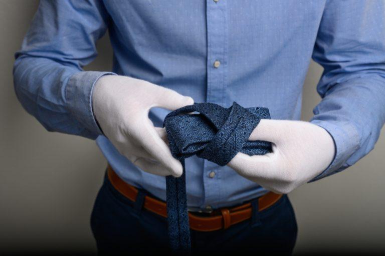 Krawatte Knoten Bilden Ansicht 1